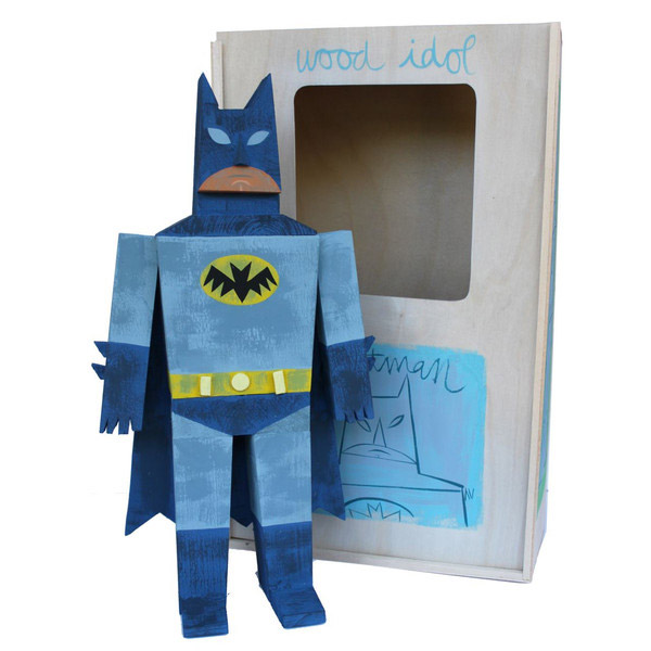 03-toys-wood-idol-por-amanda-visell-batman