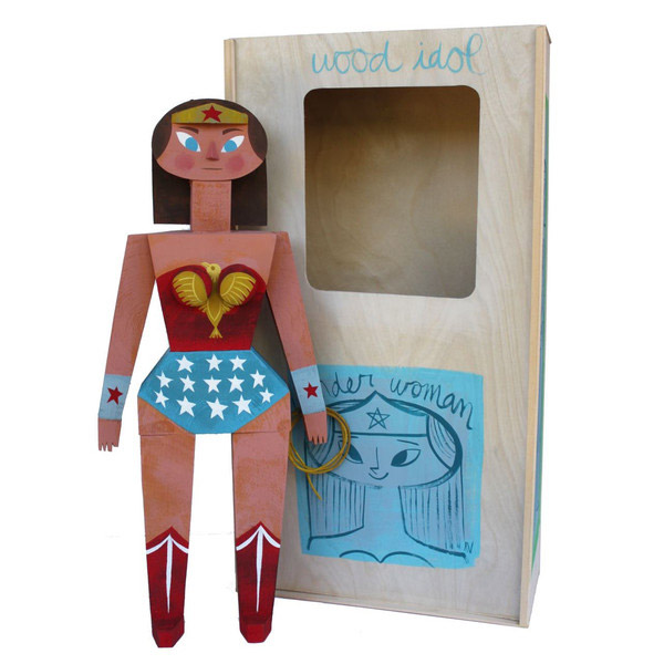 03-toys-wood-idol-por-amanda-visell-wonder-woman