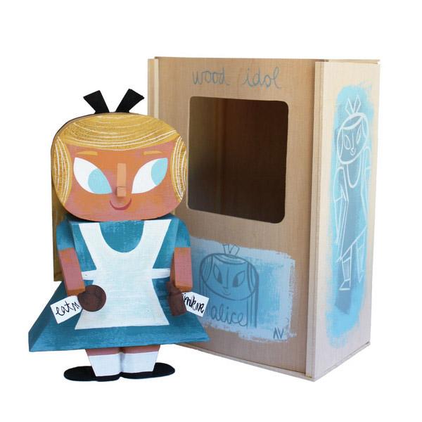 01-toys-wood-idol-por-amanda-visell-alicia